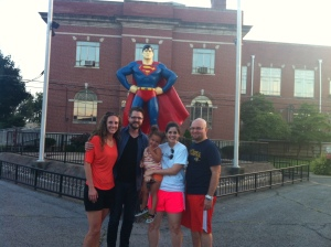 metropolis-superman-statue